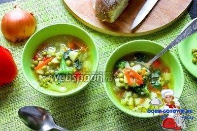 Овощной суп с брокколи и горохом