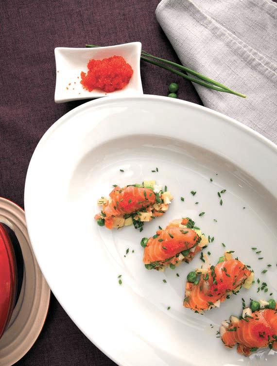 Рецепты салата оливье - с лососем и икрой тобико