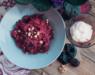 Салат со свеклой, черносливом и йогуртом — идеальное сочетание