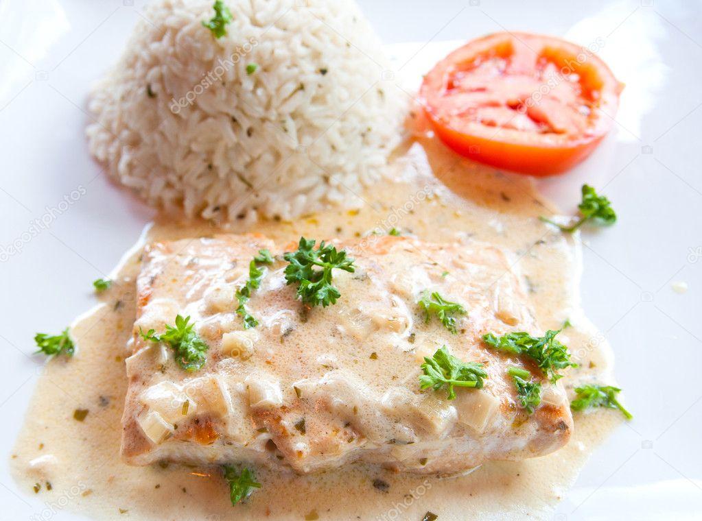 Красная рыба, запеченная в духовке - лучшие рецепты блюд
