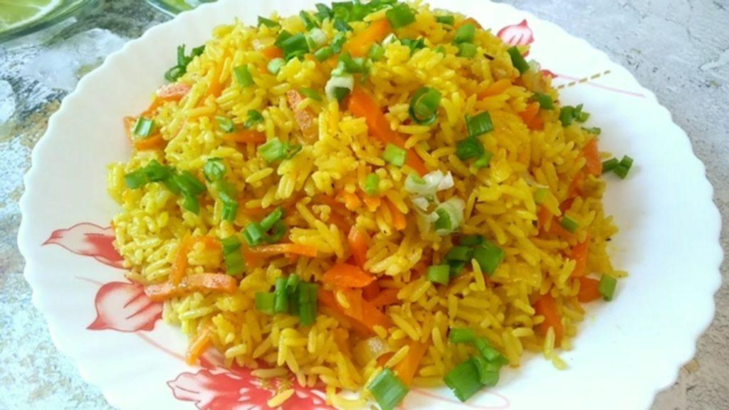 Гарнир из ароматного риса с морковью - лучшее дополнение для вторых блюд