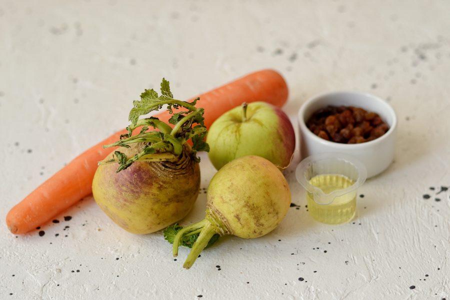 Салат с репой, морковью и яблоком — простой и вкусный рецепт