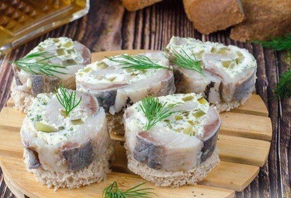 Селёдка в закусках - интересные рецепты на праздничный стол