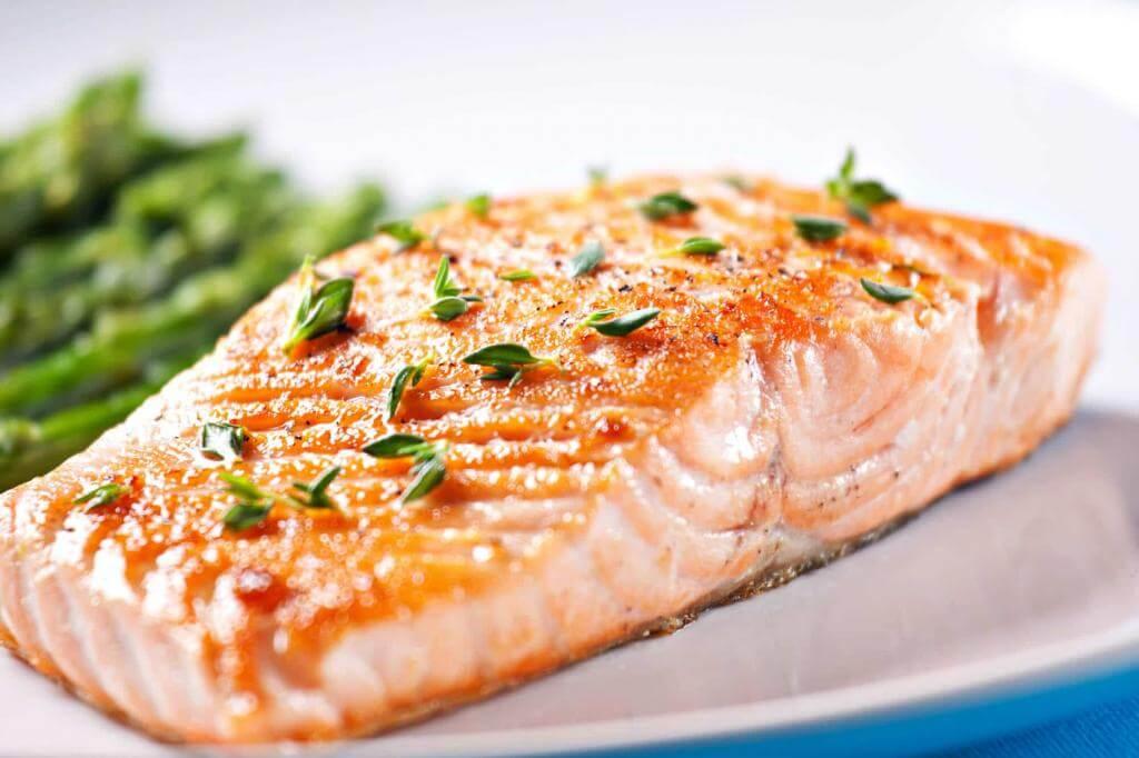 Филе лосося, запеченное в духовке с грилем