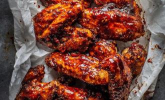 Вкуснейшие крылышки в сладко-пряном соусе