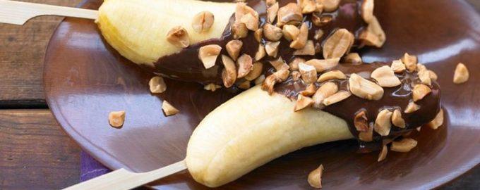 Рецепт бананов в шоколаде на палочке